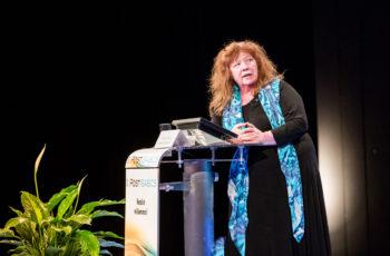 Bewertet AMAROS kritisch: Prim. Univ.-Doz. Dr. Annemarie Schratter-Sehn.