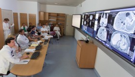 Neun Tumorkonferenzen finden jede Woche statt.