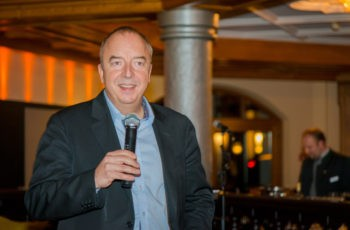 ABCSG-Präsident Univ.-Prof. Dr. Michael Gnant eröffnet die Abendveranstaltung.