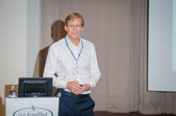 """Von der Zürcher Klinik Hirslanden: Priv.-Doz. Dr. Günther Gruber sprach über """"Radiotherapie nach Mastektomie""""."""