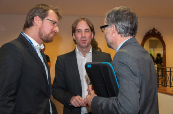Pausengespräch: OA Dr. Daniel Egle, OA Michael Hubalek, Univ.-Prof. Dr. Christian Marth (v.l.n.r.)