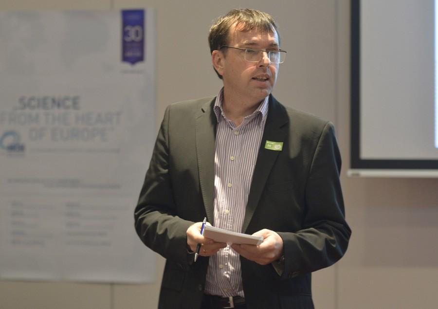 Referent und Gruppensprecher der grünen Gruppe: OA Dr. Harald Weiß.