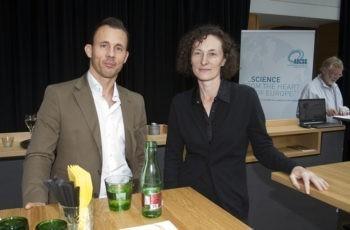 Vorsitzender Univ.-Prof. Dr. Florian Fitzal mit Referentin OÄ Dr. Renate Koplmüller.