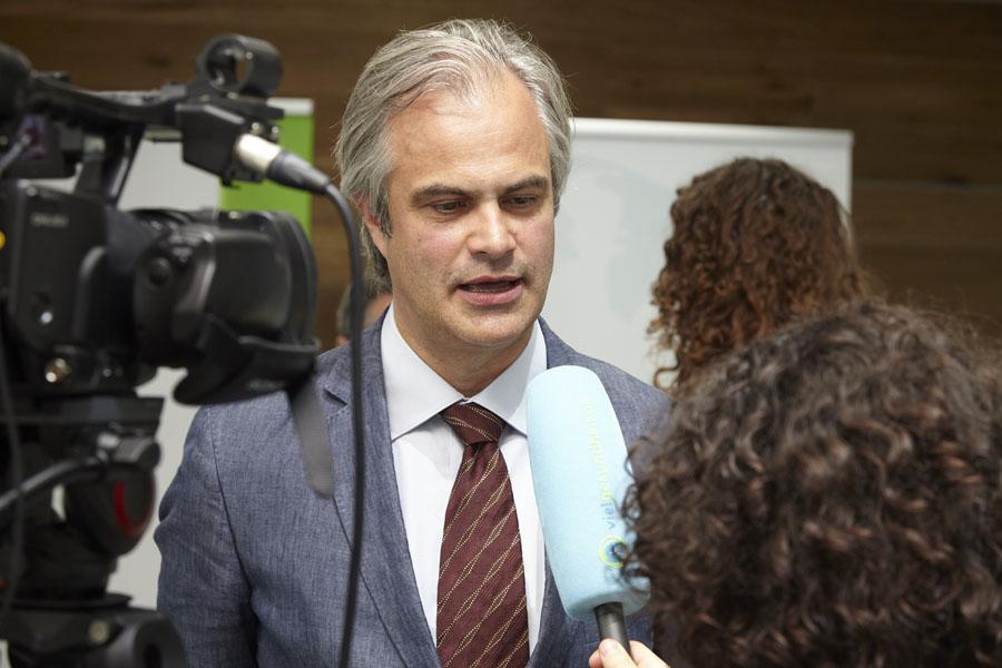 Die Experten standen im Anschluss auch für Interviews zur Verfügung: Univ.-Prof. Dr. Christian Singer …