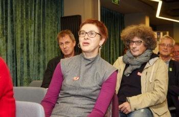 Gruppensprecherin der roten Gruppe: Dr. Andrea Jelen.