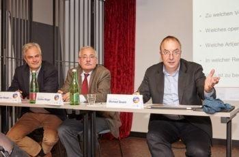 Diskussionsfreudig: Vorsitzende Univ.-Prof. Dr. Christian Singer, MPH, Univ.-Prof. Dr. Günther Steger und ABCSG-Präsident Univ.-Prof. Dr. Michael Gnant (v.l.n.r.).