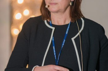 Assoz. Prof. Priv.-Doz. Dr. Vesna Bjelic-Radisic hielt einen Vortrag über das axilläre Staging vor und nach einer neoadjuvanten Chemotherapie.