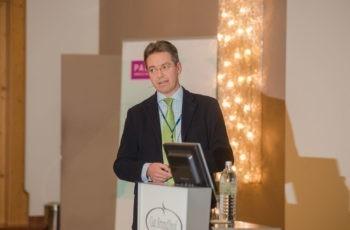 Univ.-Prof. Dr. Thomas Bachleitner-Hofmann gab ein Update über die ASAMET-Studie.