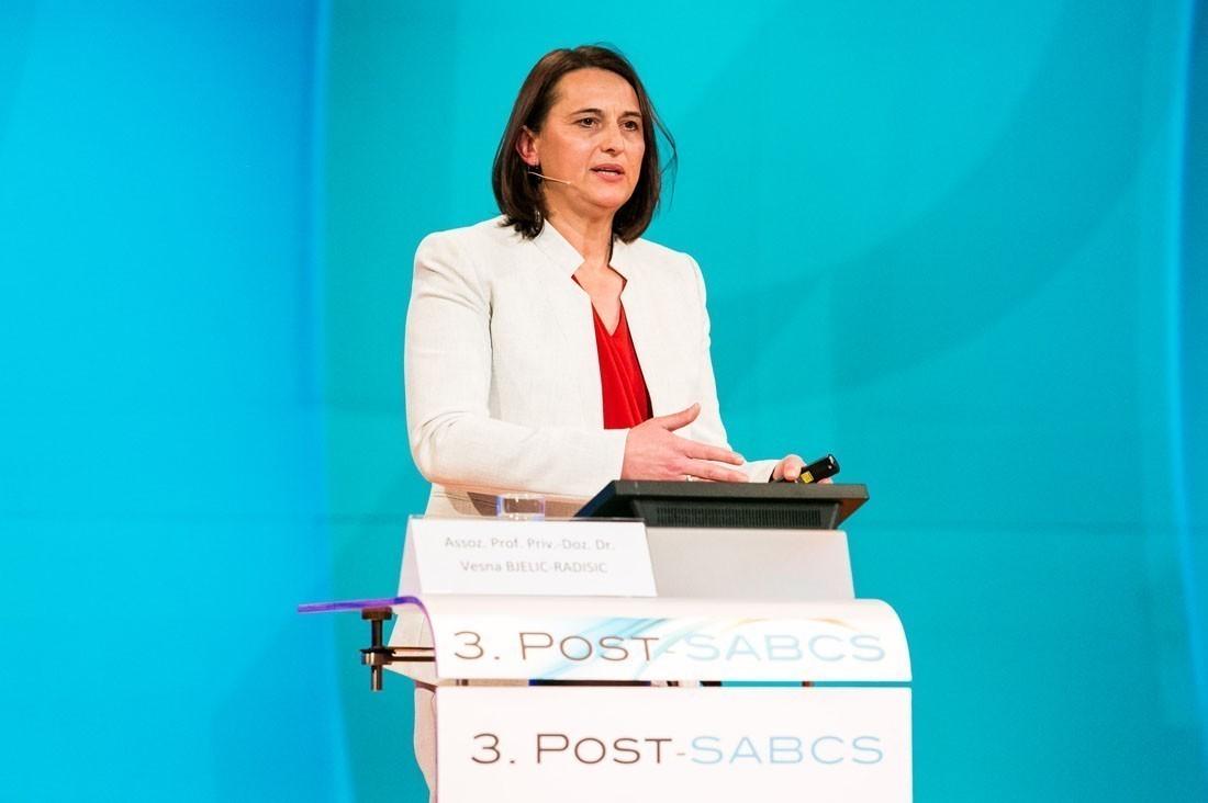 Assoz. Prof. Priv.-Doz. Dr. Vesna Bjelic-Radisic eröffnete den ersten Teil und brachte auch komplexe Themen wie z.B. Clonal Evolution hervorragend auf den Punkt.