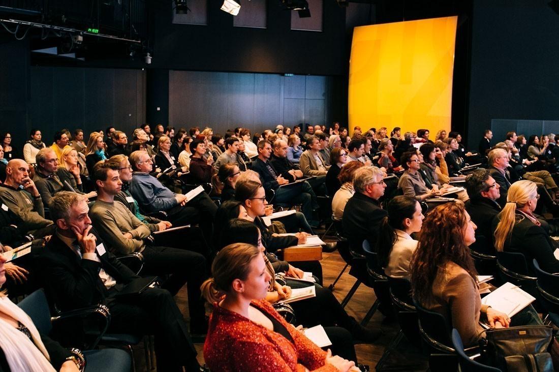 Rund 200 TeilnehmerInnen kamen im Studio 44 zusammen.