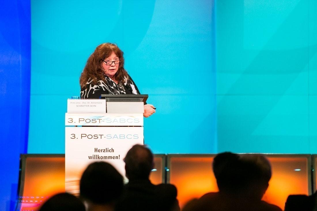 Zum Abschluss sprach Prim. Univ.-Doz. Dr. Annemarie Schratter-Sehn über neue Entwicklungen in der Radiotherapie.