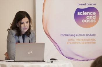 OÄ Dr. Kristin Holzmüller stellte mit ihrem Fall das Publikum vor so manche Herausforderung.