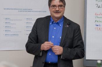 Nach zwei Stunden spannenden Fällen und intensiven Diskussionen beschloss Dr. Viktor Wette die Veranstaltung und freute sich schon auf das nächste Mal Science and Cases in Klagenfurt.