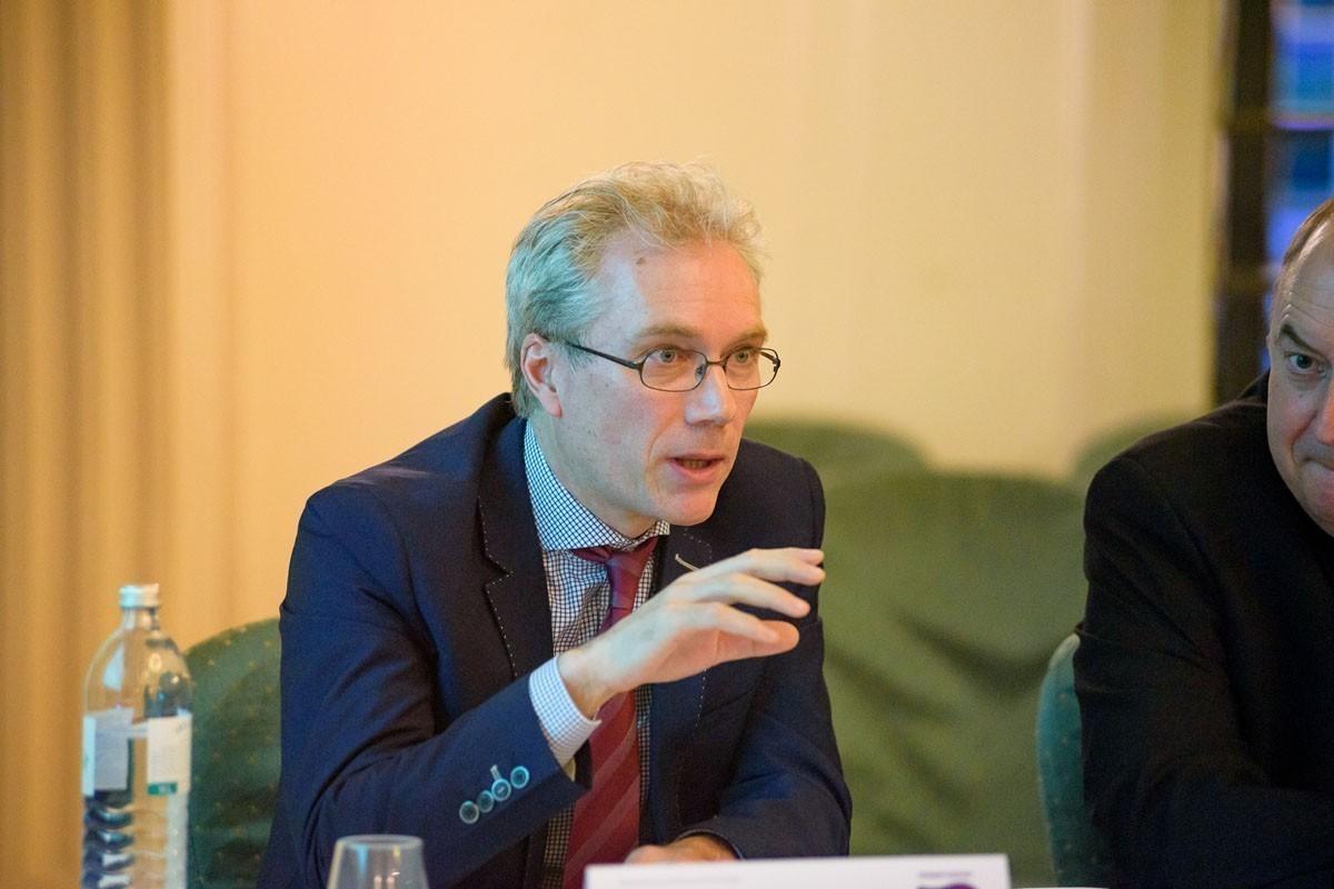 Die Frage nach der Bestrahlung der Axilla löste einige Kontroversen aus. Im Bild OA Dr. Thomas Sagmeister.