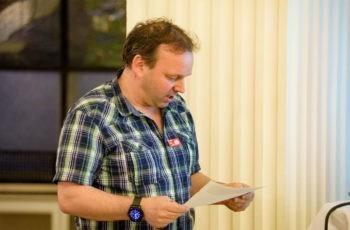 Dr. Paul Wieland sprach für die Gruppe Rot …