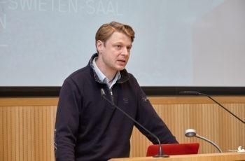"""""""Best Practice""""-Beispiel der ABCSG-Nachwuchsförderung und Moderator des Abends: Georg Pfeiler."""