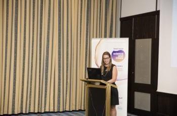 Dr. Valeria Colleselli, die für die verhinderte OÄ Dr. Birgit Volgger eingesprungen war, präsentierte das Ergebnis der Gruppe Rot.