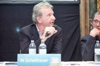 Zu dem es am Panel einige Fragen gab: Univ.-Prof. Dr. Werner Scheithauer.