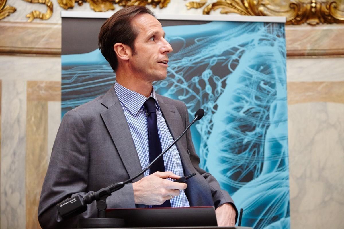 Danach war Prim. Univ.-Prof. Dr. Peter Götzinger mit seiner Fallpräsentation an der Reihe.