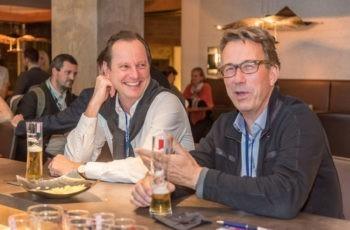 Christoph Tausch (links) und Harald Trapl amüsieren sich.
