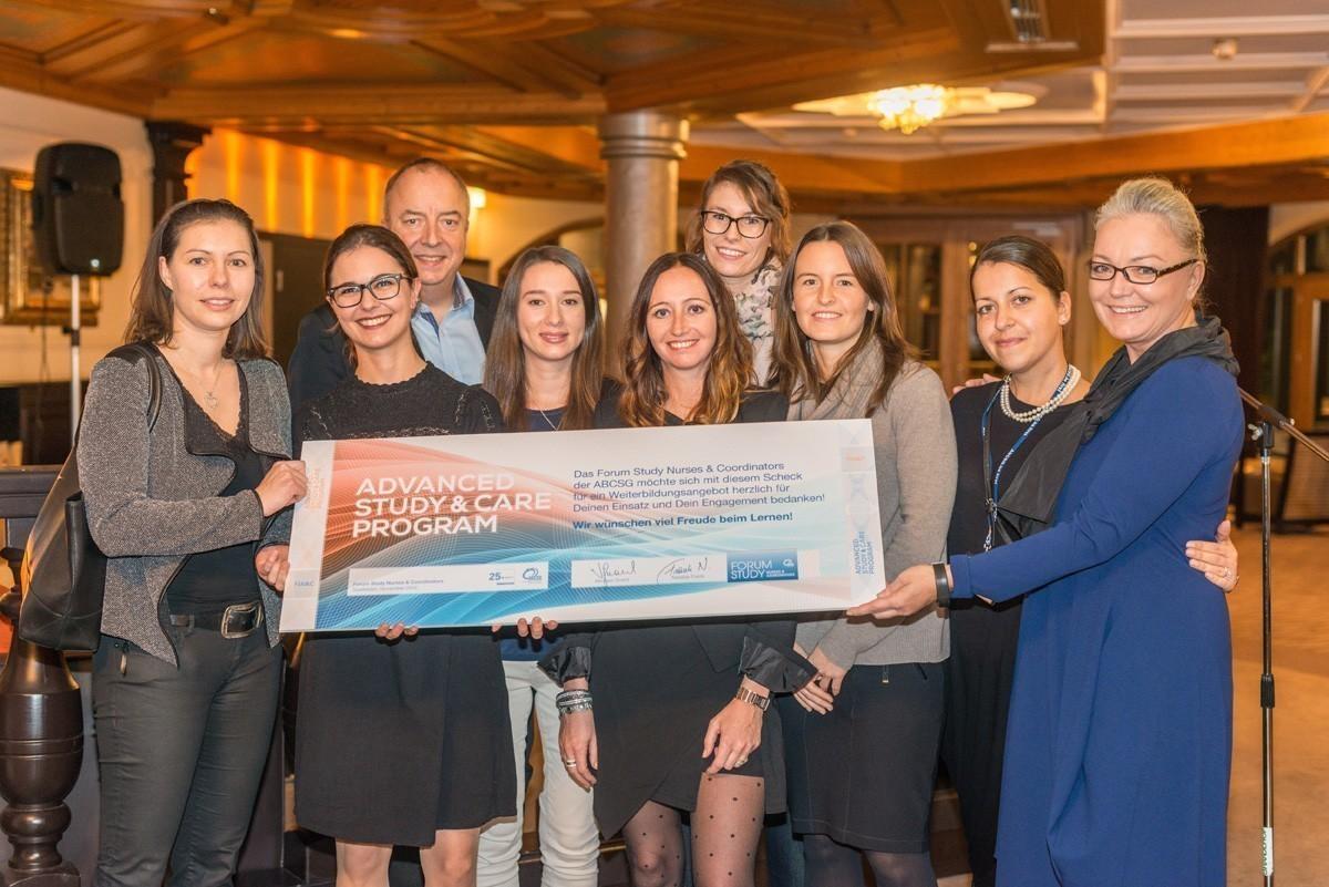 Das Advanced Study & Care Program versammelte diesmal gleich 10 PreisträgerInnen, für die beim 1. ÖBVS-Kongress im März 2017 die Registrierungsgebühren übernommen werden. Wir gratulieren sehr herzlich!
