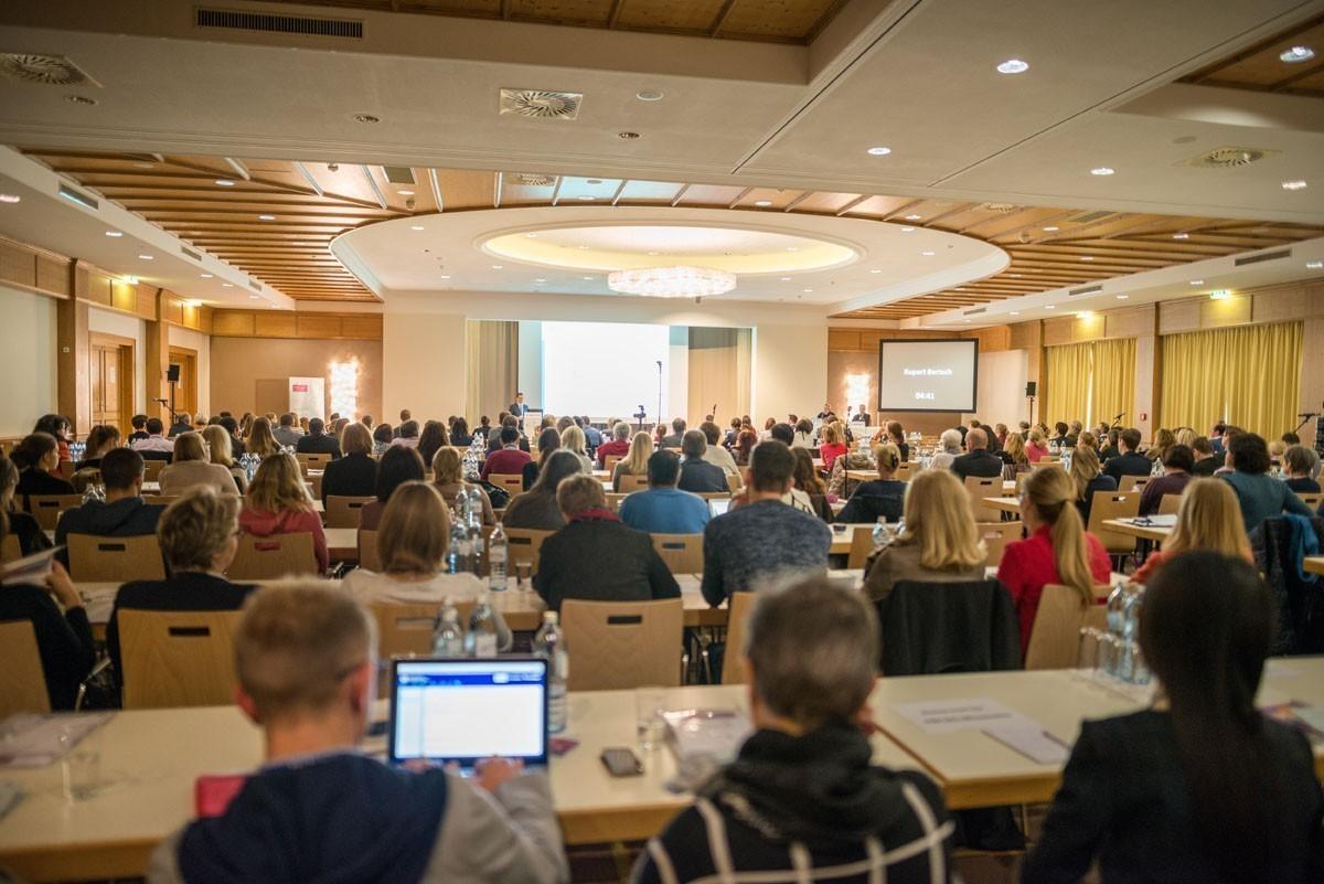 Rund 300 TeilnehmerInnen waren am Freitag und Samstag in Saalfelden.