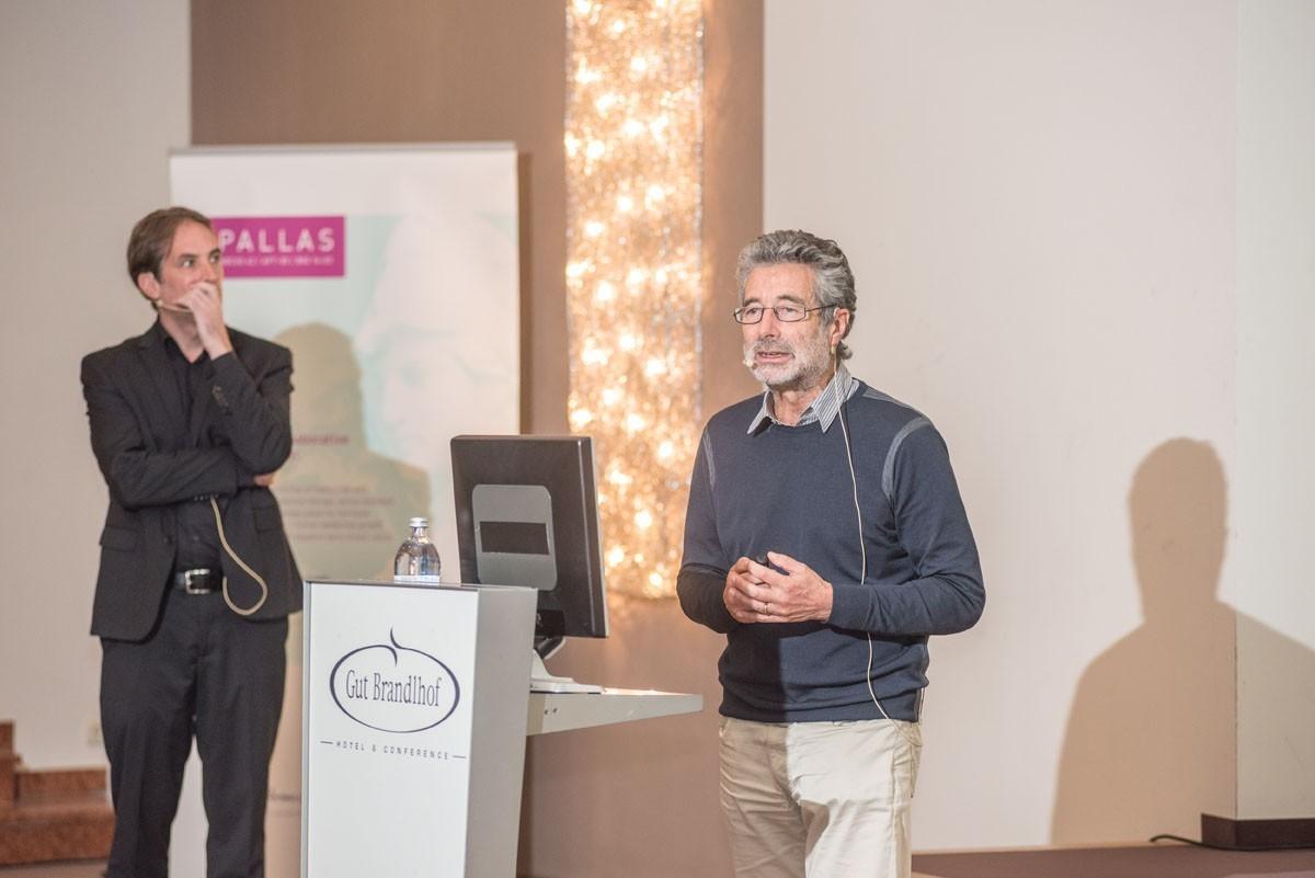 Michael Fridrik stellte sich und dem Publikum Fragen zum Studienproposal von Michael Hubalek.