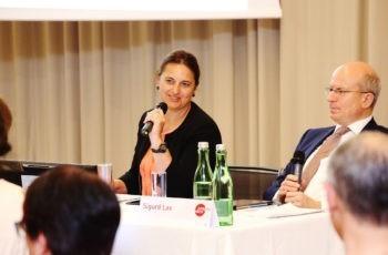 Charmant und umsichtig in der Moderation: Vesna Bjelic-Radisic.