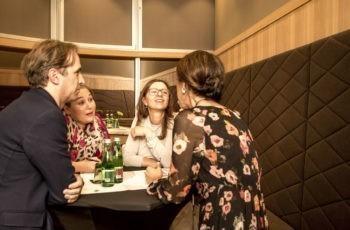 Spaß bei der Arbeit: Karin Matthä, Theresa Czech und Michael Hubalek mit Marija Balic (v.l.n.r.).