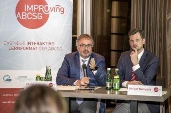 Auch Christian Marth (links) bringt mit konkreten Fragen Schwung in die Debatte.