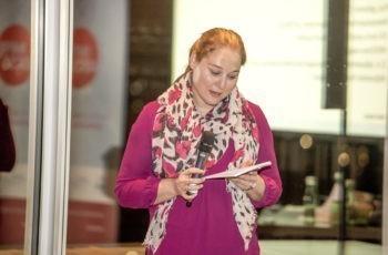 Theresa Czech als Sprecherin der zweiten Arbeitsgruppe.