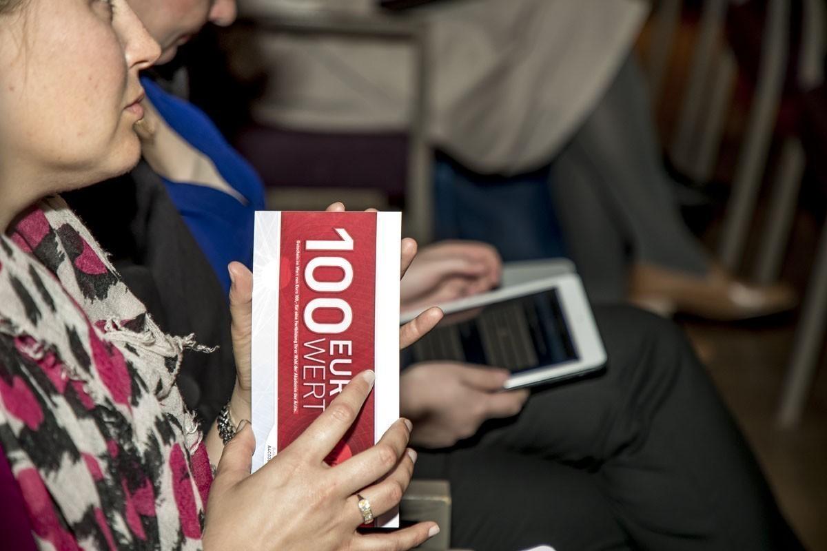 Auch diesmal gab es für alle GruppenteilnehmerInnen einen 100-Euro-Gutschein für Fortbildungen der Akademie der Ärzte.