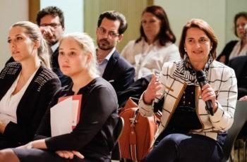 Fragen aus dem Publikum kamen an diesem Abend häufig: Vesna Bjelic-Radisic.