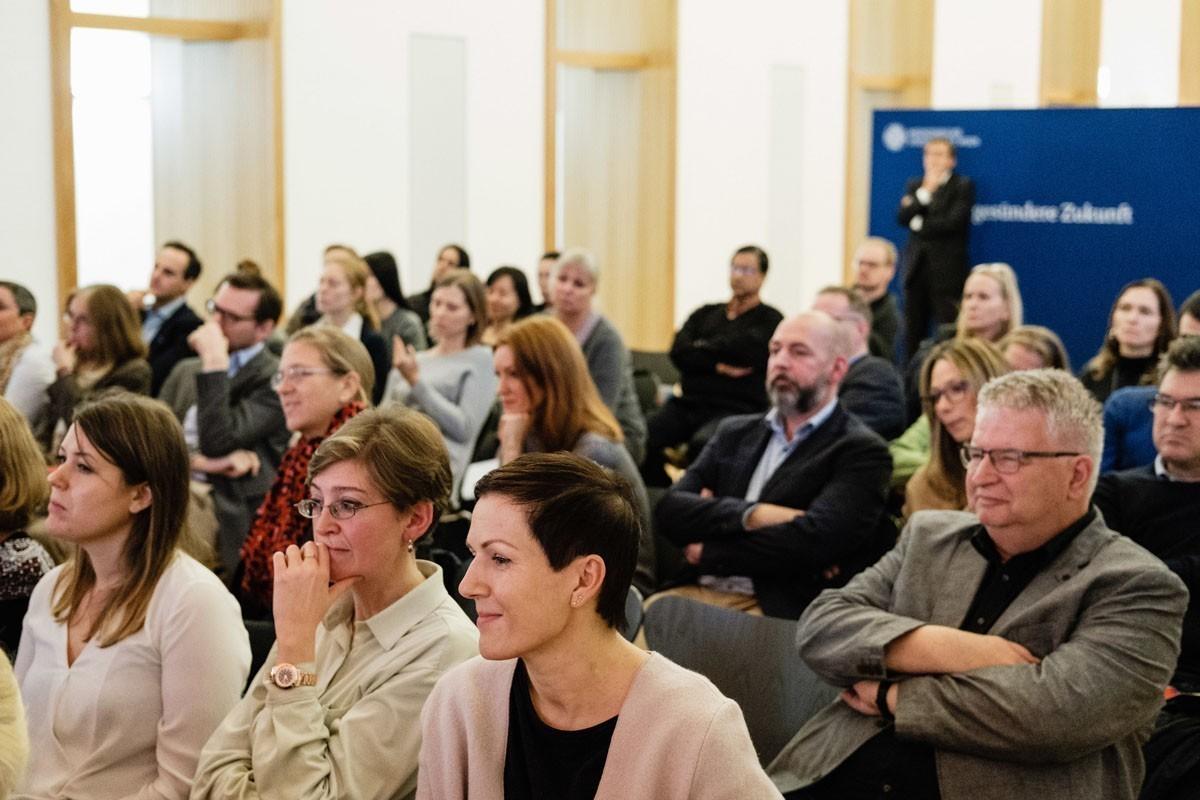 Das Publikum war bis zum Schluss sehr aufmerksam ..