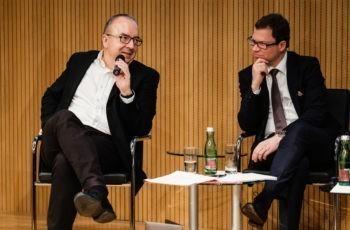 Auch am Panel war die Stimmung bei aller Konzentration sehr gut: Michael Gnant und Rupert Bartsch (v.l.n.r.).