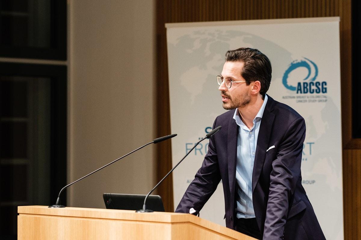 Christoph Suppan präsentierte einen first-line-Patientenfall.