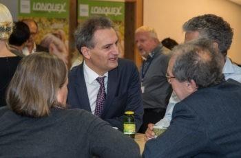 Richard Greil (Mitte) im Gespräch mit Brigitte Mlineritsch, Michael Fridrik und Michael Stierer (v.l.n.r.).