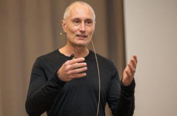 Martin Filipits präsentiert die ersten Ergebnisse aus dem Cepheid-Projekt.