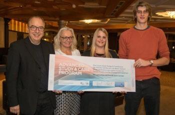 Strahlende PreisträgerInnen im Advanced Study & Care Program: Michael Gnant, Natalija Frank, Nadine Fuchs und Andreas Ronge (v.l.n.r.).