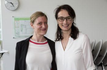 Fallpräsentatorin Judith Mathis (links) mit Teilnehmerin Sonja Wallner.