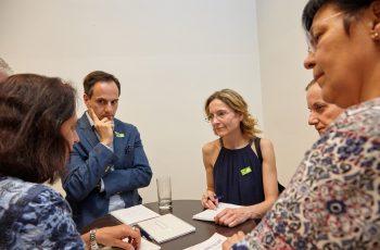 Bei den grünen war die Stimmung ernst(haft): Alex Farr (links) und Gruppensprecherin Sabine Burger.