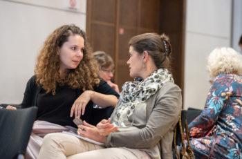 Auch die Mitarbeiterinnen der Sponsorfirma Roche diskutierten.