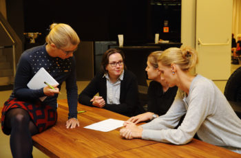 Theresa Czech unterstützte die dritte Arbeitsgruppe bei der Ausarbeitung einer adäquaten Therapiestrategie.