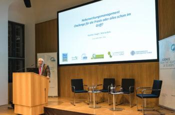 Günther Steger sprang für die erkrankte ABCSG-Vizepräsidentin Marija Balic ein und präsentierte ihren Vortrag.