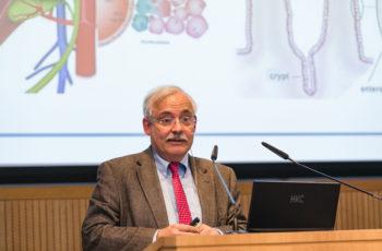 Der Onkologe Günther Steger erläuterte die neuesten Erkenntnisse pointiert und nachvollziehbar.