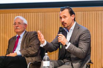 Hier gab es viel zu diskutieren: Günther Steger und Florian Fitzal (v.l.n.r.).