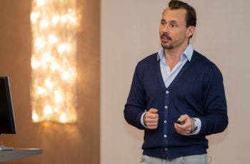 Florian Fitzal stellte nach der Kaffeepause die wichtige Frage: OP nach neoadjuvanter Therapie - wie, wo und wieviel?