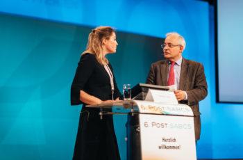 Drängende Fragen wurden unmittelbar nach den Vorträgen beantwortet: Theresa Czech mit Günther Steger.