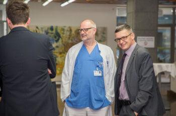 Thomas Weidhofer (rechts) war als Vertreter der Sponsorfirma Pfizer anwesend.
