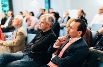 Das Interesse im Publikum war bei diesem Thema sehr groß: die hier Vorsitzenden Christian Singer und Florian Fitzal (v.l.n.r.).